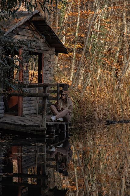 Осень 2020 ноябрь в Крыму возле горы Ай-Петри - место - Черепашье озеро. Фото - Анастасия Соломатина, let's nail moscow @letsnailmoscow. Севастополь