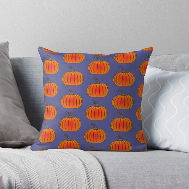 A pillow with a pumpkin pattern / Tyyny, jossa on kurpitsakuvio