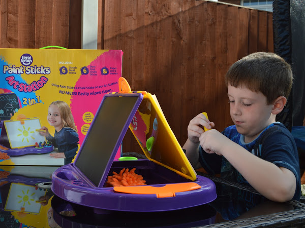 Little Brian Paint Sticks 2-in-1 Art Station | Review