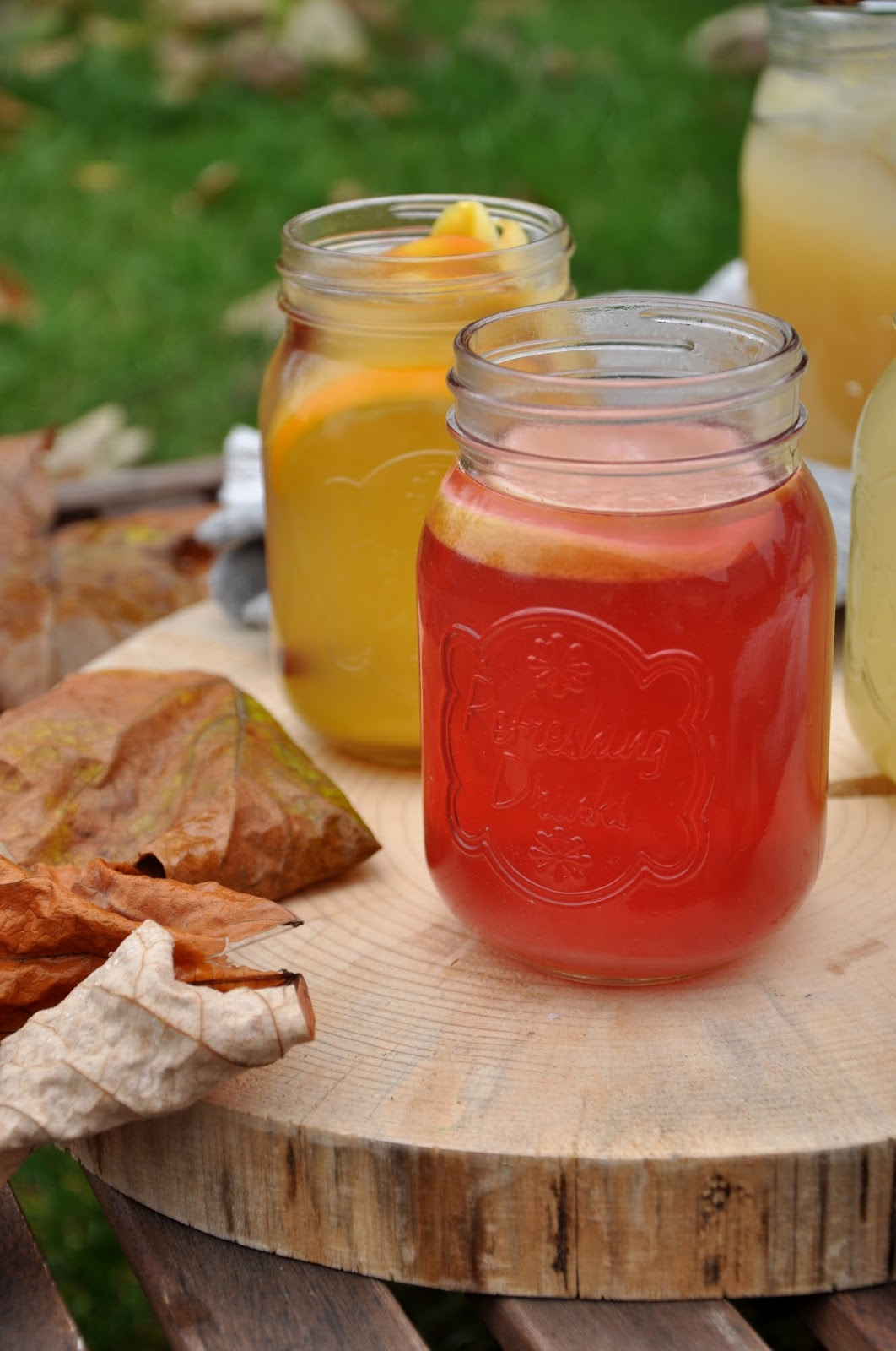 woda z miodem pomarańczą i jabłkami, miód wielokwiatowy, herbata malinowa z miodem i cytryną
