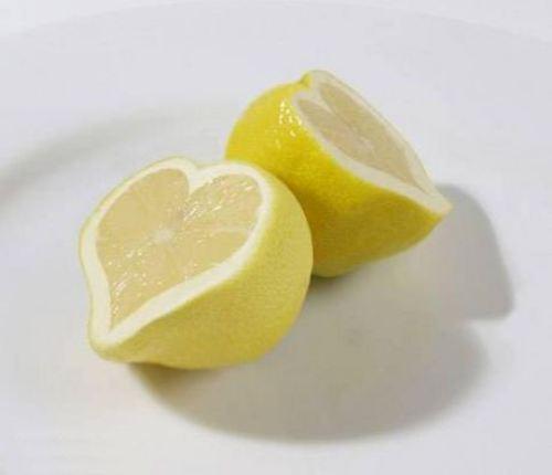 Αποτέλεσμα εικόνας για χυμοσ λεμονι