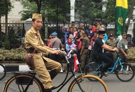 Jokowi Gowes Bareng 25.000 Peserta Bandung Lautan Sepeda