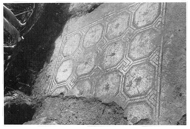 Mosaico de octógonos de la villa romana de Martos