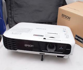 Proyektor Bekas Epson EB-X350