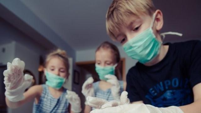 Σχολεία: Απουσία στους μαθητές χωρίς μάσκα - Επιείκεια για τις μικρές ηλικίες