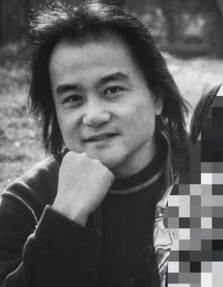 Đạo diễn Trung Quốc, bố mẹ và chị gái chết vì Covid-19