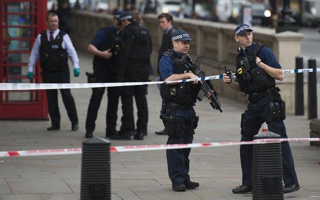 اعتقال ثلاث نساء في لندن على خلفية جرائم إرهابية