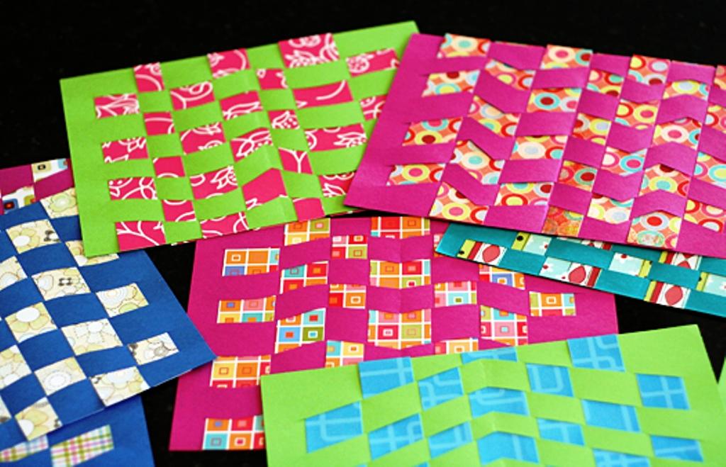 Contoh Membuat Anyaman Kertas Motif Sederhana Menggunakan Kertas 2 Dua Warna