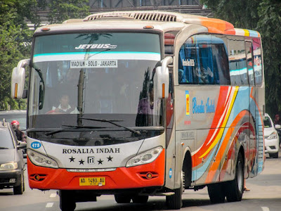 Foto Bus Rosalia Indah 475