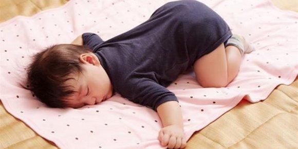 Tidur tanpa bantal juga ada manfaatnya
