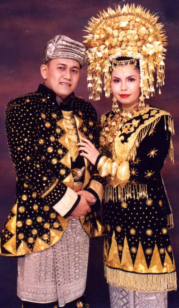 Minangkabau+wedding+traditions+2