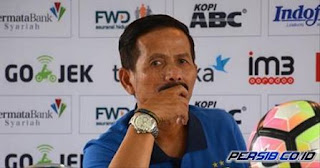 Djanur Nyatakan Mundur sebagai Pelatih Persib Bandung