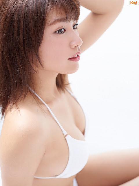 Hisamatsu Ikumi 久松郁実 Bomb TV Photos