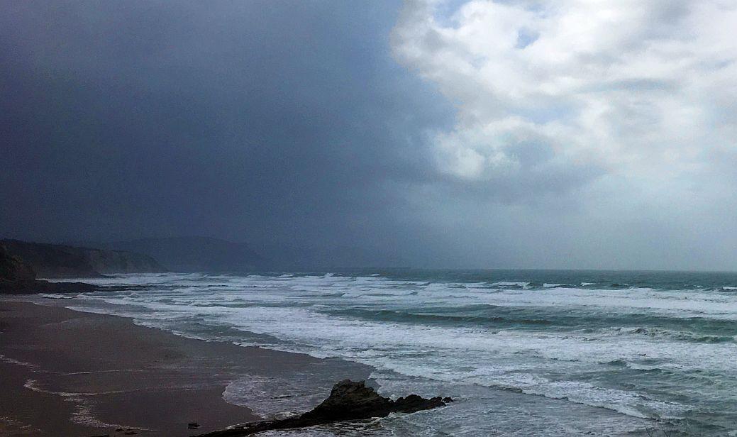 tormenta sopelana bizkaia surf