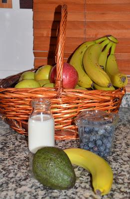 Smoothie de Arándanos, plátano y aguacate