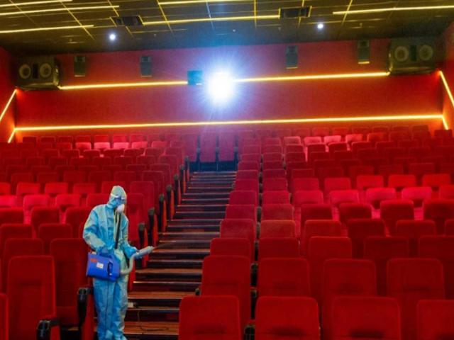 अनलॉक 5 की गाइडलाइन्स के तहत कुछ राज्यों में सिनेमा घर 70 दिन बाद फिर से खुलेंगे