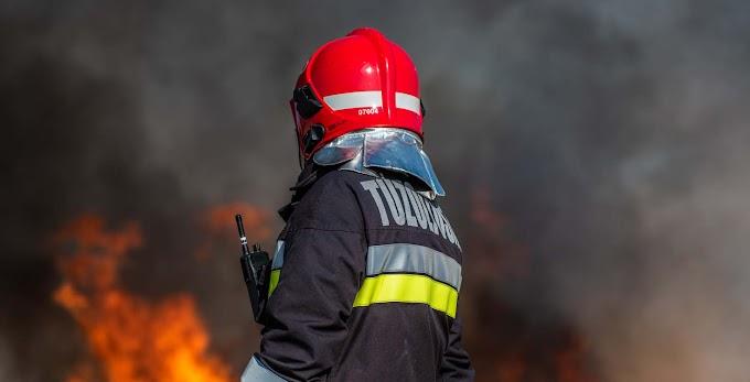 Nagyjából másfél hektáron lángol a száraz fű Szeged külterületén