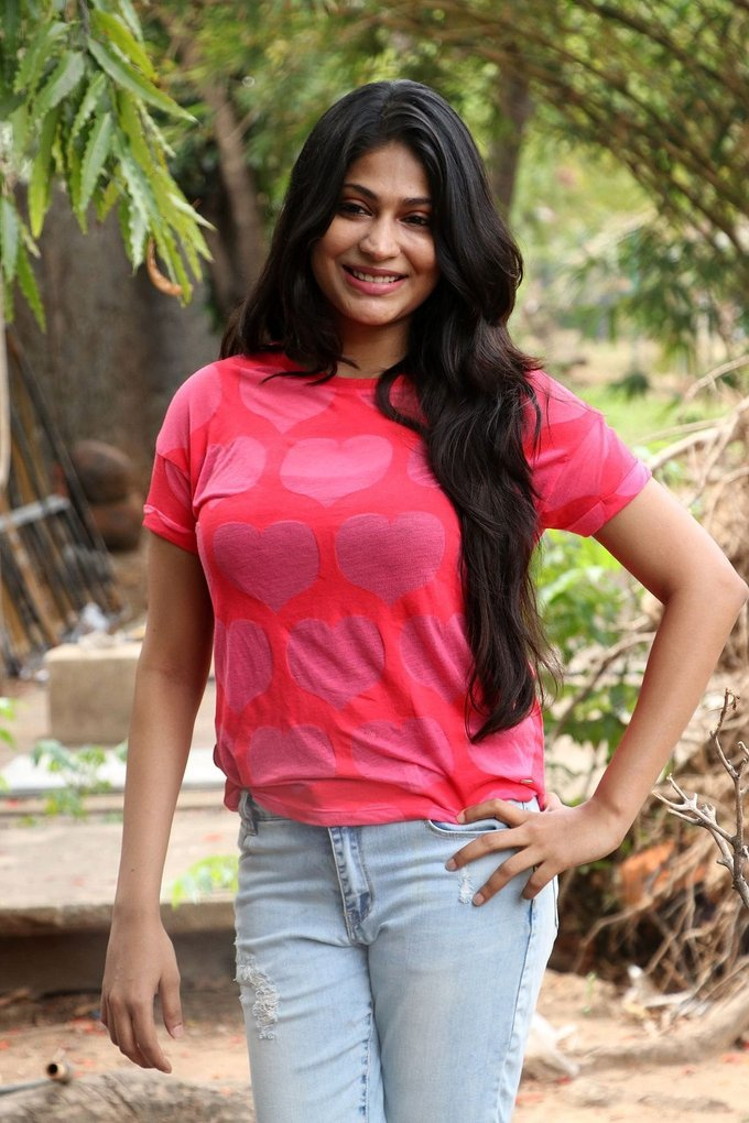 Vijayalakshmi at Pandigai Press Meet Stills