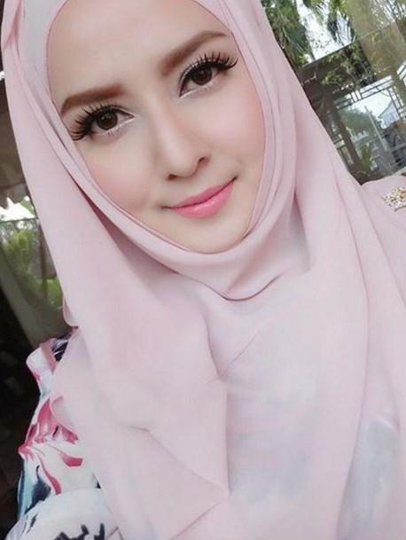 Foto hijab Cantik model IGO Resita Putri dari Garut tend hijab dan jilbab  hijab segi empat