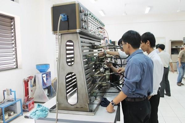 Học ngành Kỹ thuật Cơ khí cần phải có sự đam mê với máy móc, kỹ thuật