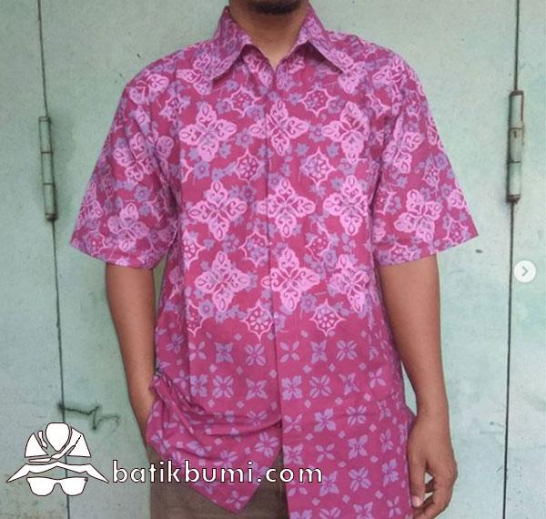 Kemeja Batik Motif Diamond Maroon