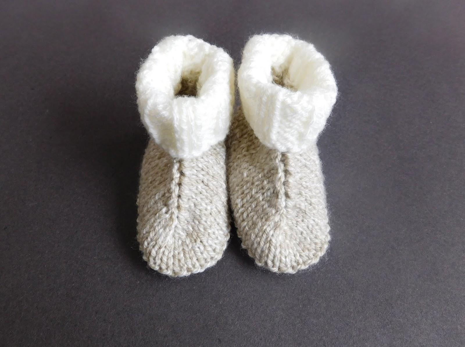 Marianna\'s Lazy Daisy Days: Baby Hug Boots