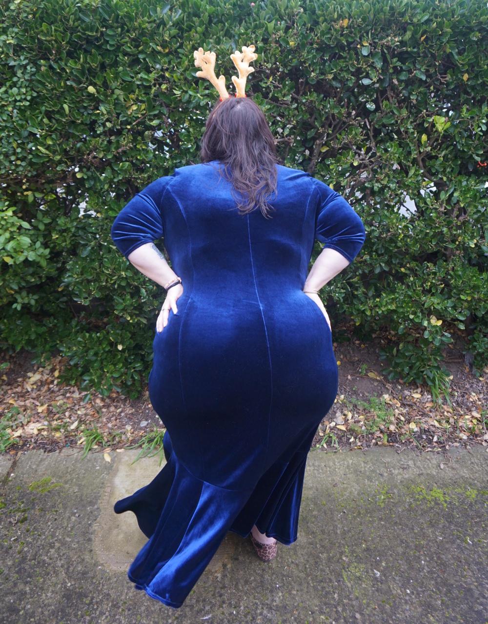 Scarlett and Jo Fishtail Velvet Maxi Dress in Midnight, deep navy plus size dress, plus size occasion dress, plus size Christmas dress, plus size party dress, plus size ball gown, plus size white tie event, races, Ascot, plus size award ceremony dress, plus size velvet dress