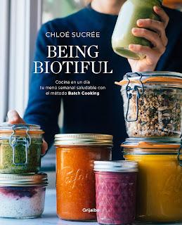 Portada del libro Being bioutiful de Chloé Sucré. Muestra una cocina y coloridos tarros de ingredientes.