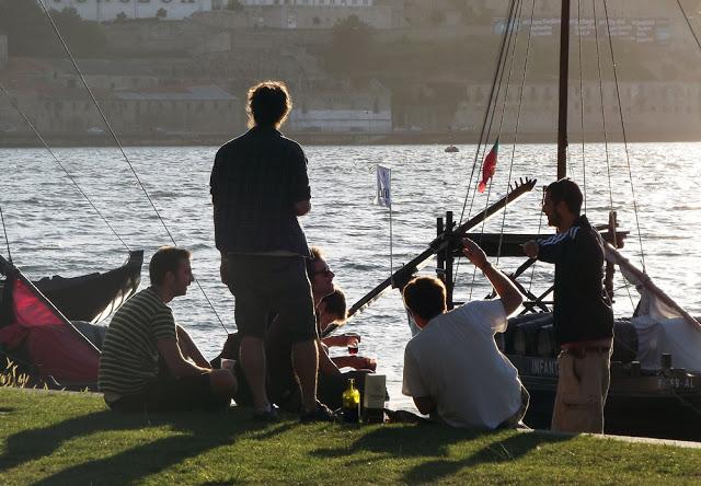Relaxando nas margens do rio Douro
