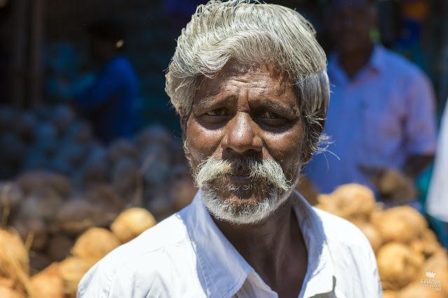 retrato de hombre en kerala india