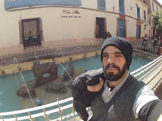Chafariz no centro histórico de Cusco / Peru.