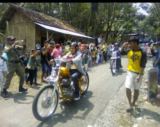 Video Pak JOKOWI Touring Pakai Motor Custom Chopper