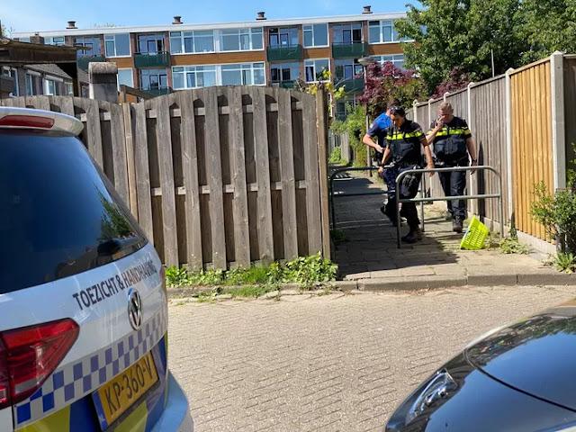 الشرطة الهولندية تُغرم حلاق وزبون لمخالفة إجراءات كورونا
