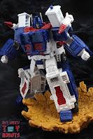 Transformers Kingdom Ultra Magnus 16