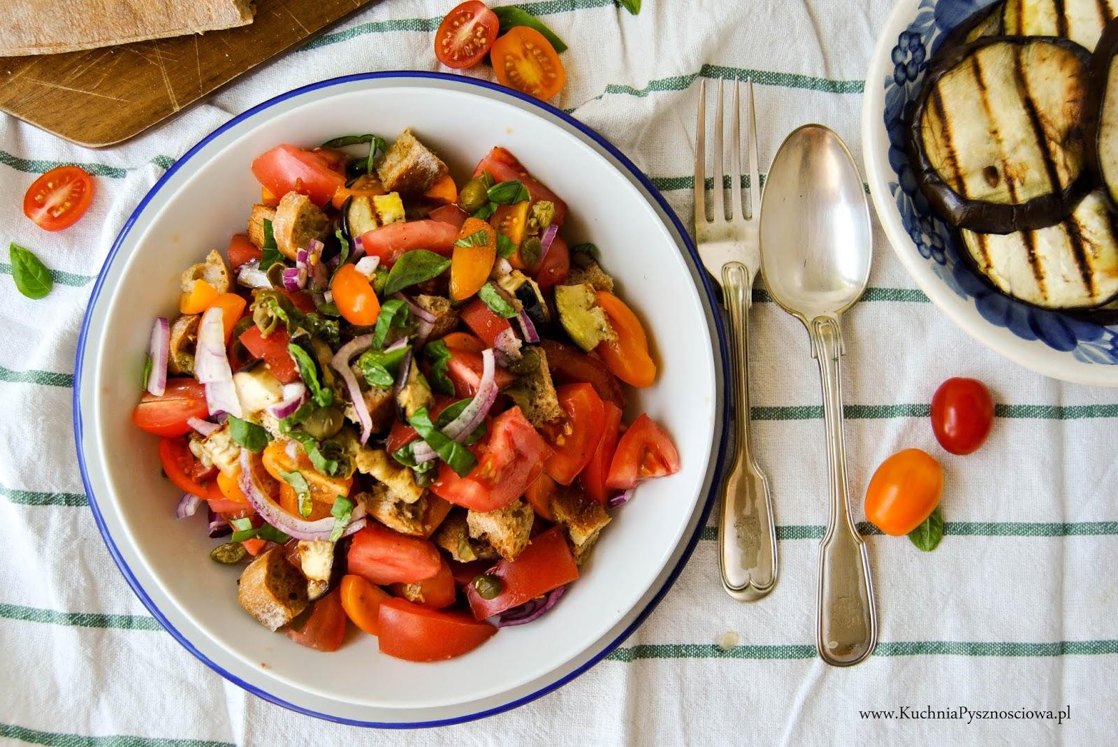 701. Panzanella, sałatka z pomidorów i czerstwego pieczywa