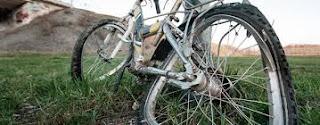 penunggang basikal maut, basikal hancur, basikal rosak