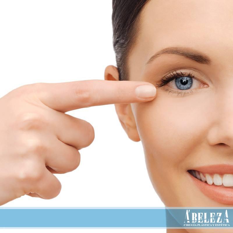 Geparinovaya el ungüento a la persona de las arrugas