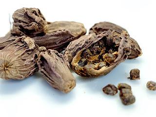 Black Cardamom Pods and Seeds