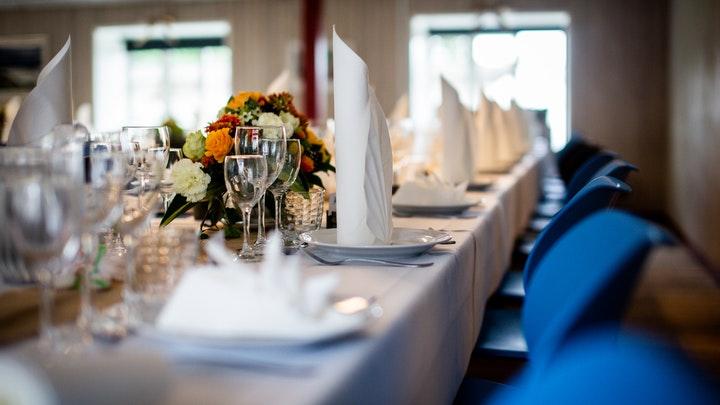 4 Makanan Wajib dalam Hidangan Pernikahan di Dunia