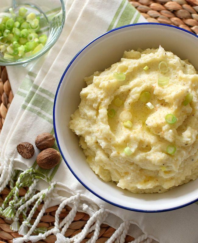 Receta de puré de coliflor fácil. Cremoso y con mucho sabor, combina la coliflor con papa a la que se agrega queso crema, crema agria, sal, pimienta, nuez moscada y cebollines. Cocina, crea y comparte