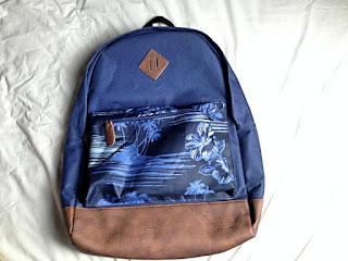 Peacocks, bag, hand luggage, travel, holiday