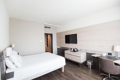 ruangan kamar hotel