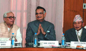 West Bengal Chief Minister Buddhadeb Bhattacharjee, Union Home Minister Shivraj Patil and DGHC Chairman Subash Ghising after the signing of the agreement