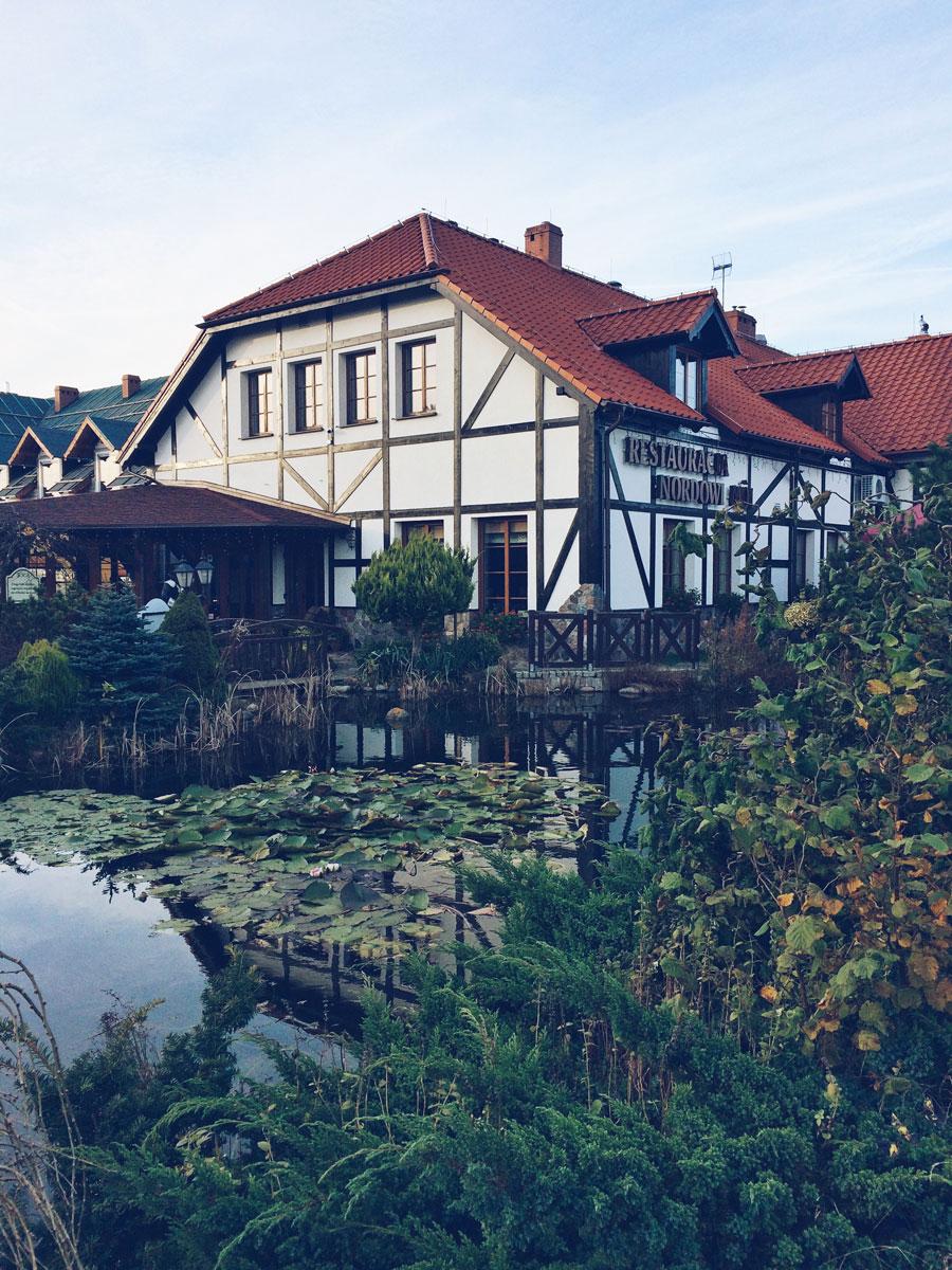 Restauracja Nordowi Mól w Celbowie - lokal z zewnątrz.