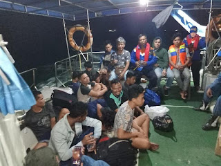 KSOP Gresik Berhasil Evakuasi 16 Awak Kapal KM. Tirta Amarta Yang Tenggelam