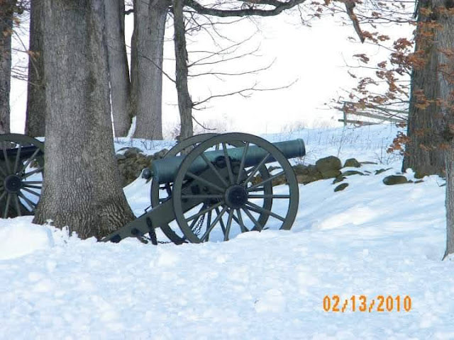 cannon at Gettysburg NMP in the snow