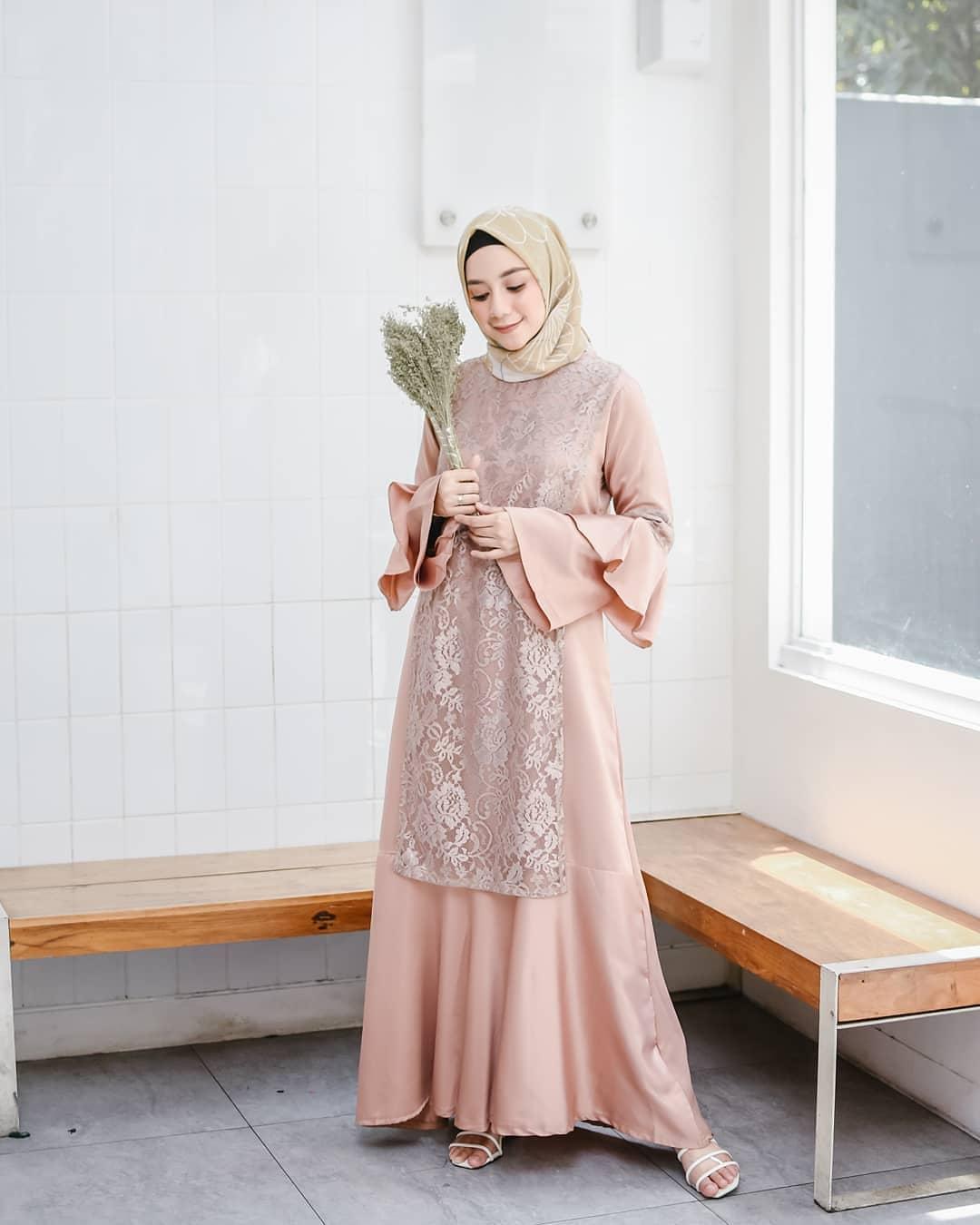 Model Baju Pesta Sederhana Tapi Mewah Untuk Wanita - qibul fashion