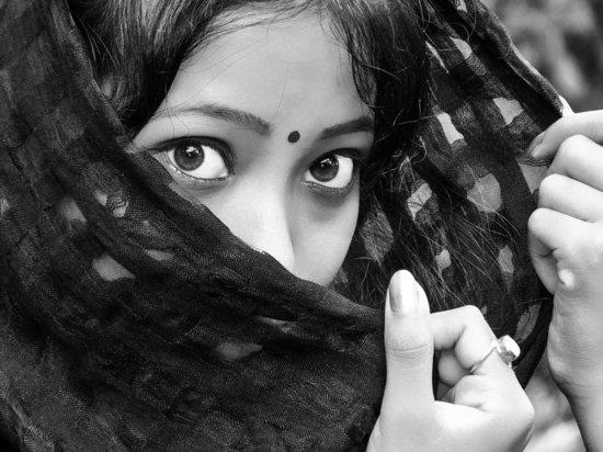 Забеременевшую после изнасилования девушку задушили и обезглавили родственники
