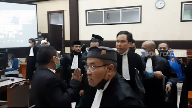 Munarman Bacakan Eksepsi Ha6ib Ri2ieq: Penguasa Zalim Jangan Diagung-agungkan!