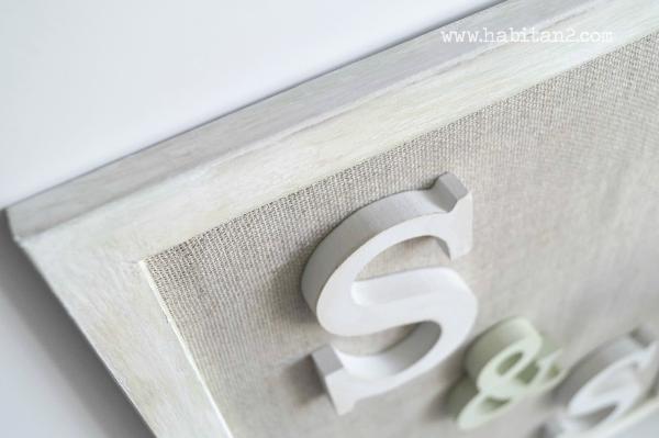 Regalo handmade para novios by Habitan2 eventplanner | marco envejecido con iniciales de los novios